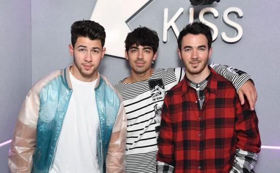 """Từng """"dứt áo"""" rời khỏi Jonas Brothers, Nick Jonas lo sợ rạn nứt tình anh em"""