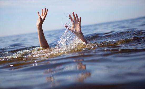 Nam Định: 3 cháu bé đuối nước khi ra ao chơi
