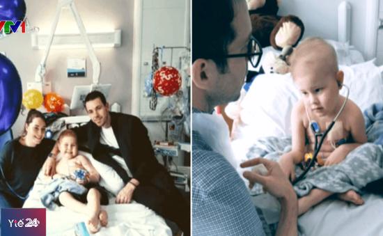 10.000 người hiến tế bào gốc để cứu sống cậu bé ung thư máu