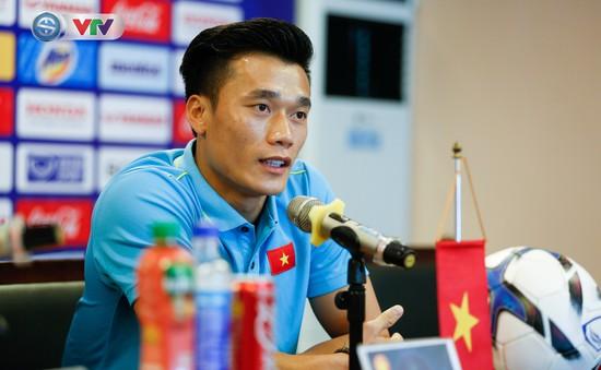 Thủ môn Bùi Tiến Dũng rất vui khi được bầu làm đội trưởng U23 Việt Nam