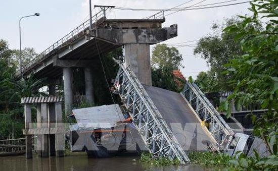 Thông xe cầu Tân Nghĩa sau 7 ngày bị sập