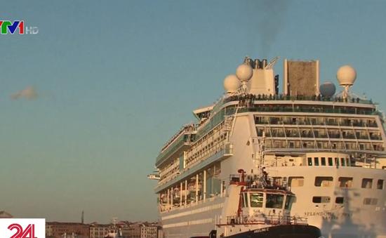 Người dân Venice (Italy) kêu gọi cấm tàu du lịch cỡ lớn