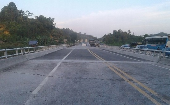 Sửa chữa xong cầu Ngòi Thủ trên cao tốc Hà Nội - Lào Cai