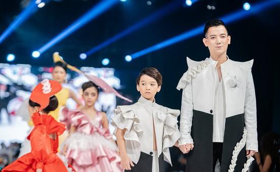 Người đưa thời trang trẻ em Việt Nam đến sàn diễn quốc tế