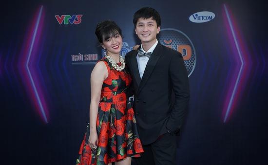 Đinh Hương thừa nhận đứng bên cạnh Huỳnh Anh bao giờ cũng thấy hạnh phúc
