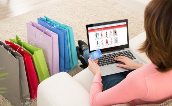 """Xu hướng mua sắm trực tuyến: Cao điểm ngày thứ Năm, nam giới ngày càng """"nghiện"""" mua online"""