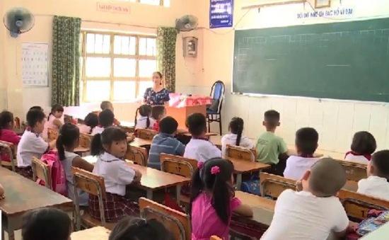 TP.HCM: Nhiều trường dài cổ chờ tuyển giáo viên cho năm học mới