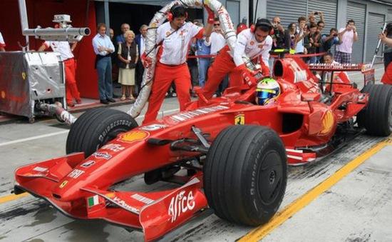 Các lãnh đạo đội đua F1 muốn đưa luật tiếp nhiên liệu trở lại