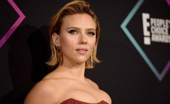 """Tuyên bố có thể đóng bất kì vai diễn nào, """"Góa phụ đen"""" Scarlett Johansson lại bị chỉ trích"""