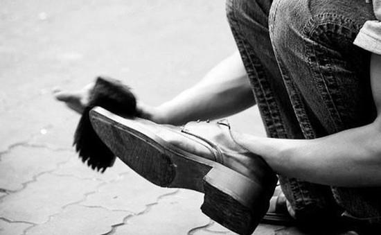 Xử lý đối tượng đánh giày bắt chẹt khách