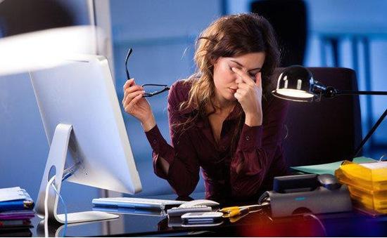 Các bệnh về mắt của dân văn phòng