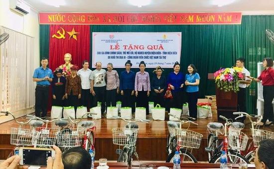 Thăm hỏi 30 gia đình cựu chiến binh tại tỉnh Điện Biên nhân dịp 27/7
