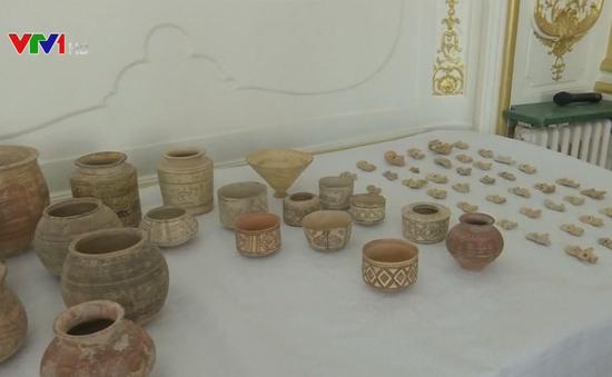 Pháp bàn giao hơn 400 cổ vật cho Pakistan