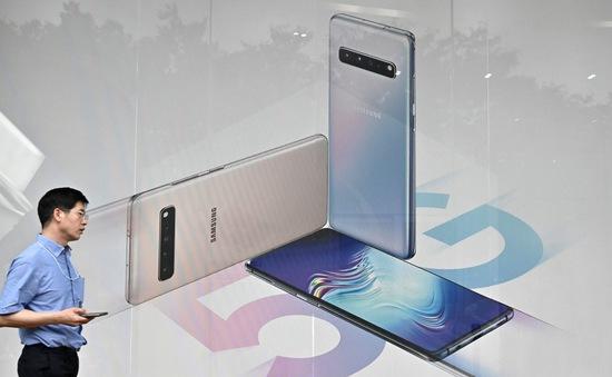 Lợi nhuận của Samsung giảm hơn một nửa trong quý II