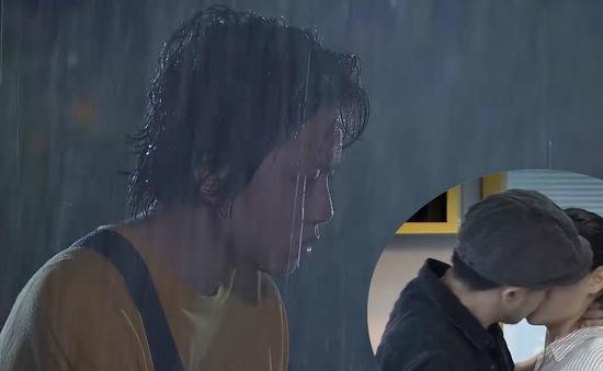 Về nhà đi con - Tập 58: Bắt gặp Quốc ôm hôn Huệ, Dương tan nát cõi lòng vì mất tình yêu đầu đời