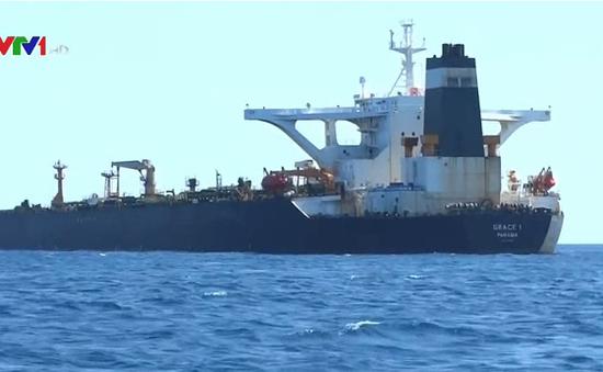 Iran triệu đại sứ Anh liên quan vụ bắt giữ tàu chở dầu