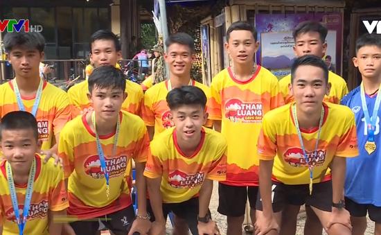Cuộc sống của đội bóng nhí Thái Lan sau 1 năm được giải cứu