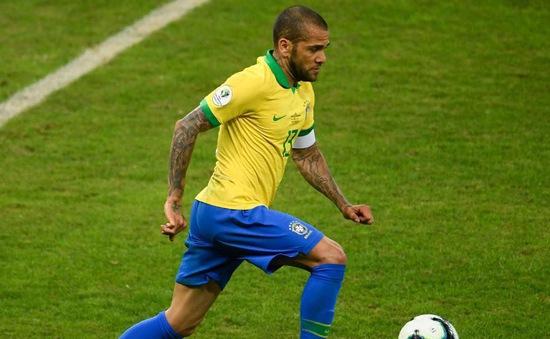 Qua mặt CR7 và Messi, sao Brazil giành số danh hiệu kỷ lục