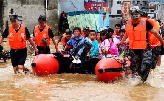 Bão lũ tại Trung Quốc khiến hàng trăm nghìn người bị ảnh hưởng