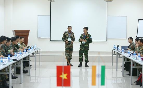 30 cán bộ, sỹ quan Việt Nam và Ấn Độ diễn tập chung trên sa bàn về Gìn giữ hòa bình LHQ