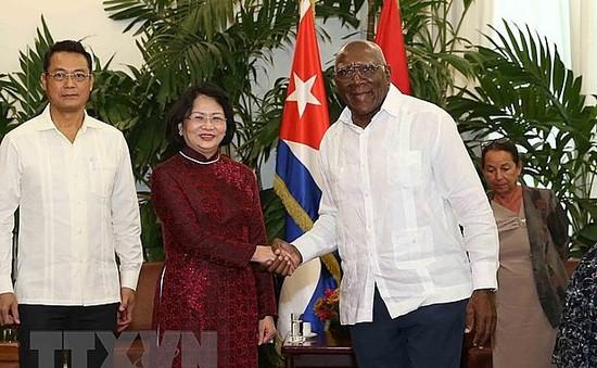 Phó Chủ tịch nước Đặng Thị Ngọc Thịnh hội đàm với Phó Chủ tịch thứ nhất Hội đồng Nhà nước và Hội đồng Bộ trưởng Cuba
