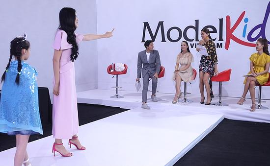 """Model Kid Vietnam 2019 - Tập 1: Mâu Thủy đối đầu Tuyết Lan, bị host Thúy Hạnh """"dạy dỗ"""""""