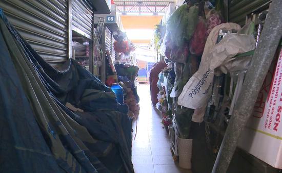 Hàng loạt tiểu thương bỏ chợ tại Nha Trang