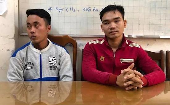 Cà Mau: Thêm 2 nghi phạm hất xăng vào đoàn cưỡng chế ra đầu thú