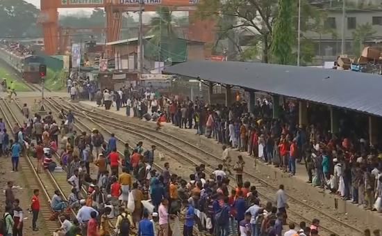 Giao thông Bangladesh tắc nghẽn vì người hành hương dự lễ Eid al-Adha