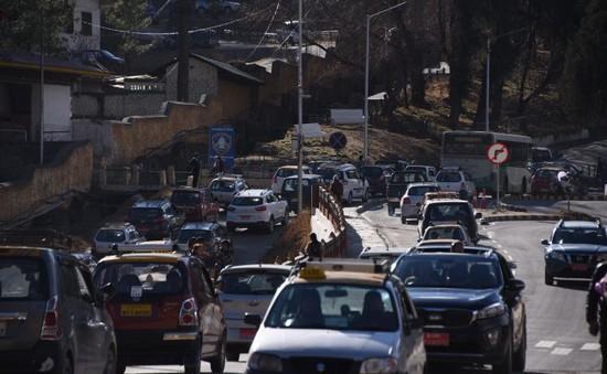 Quốc gia hạnh phúc nhất thế giới đối phó với tình trạng gia tăng số lượng ô tô