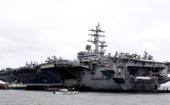 Siêu tàu sân bay của Mỹ cập cảng tại Philippines sau tập trận ở Biển Đông