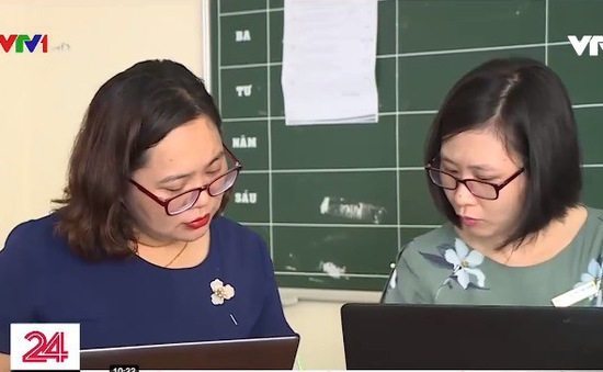 Bỏ sổ điểm, học bạ giấy - Trút gánh lo sổ sách cho giáo viên