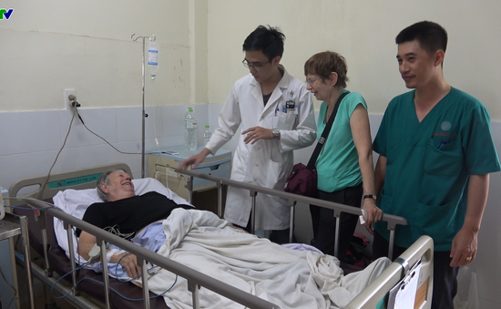 Cứu sống 1 bệnh nhân người Úc bị nhồi máu cơ tim tại sân bay
