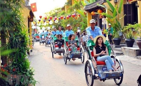Cuộc chiến du lịch trực tuyến khốc liệt tại Việt Nam