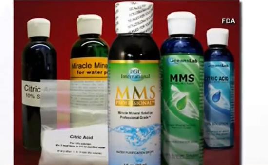 """FDA cảnh báo về """"hỗn hợp khoáng chất kỳ diệu"""" giống thuốc tẩy"""