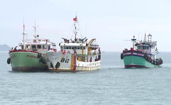 Cứu nạn thành công 2 tàu cá trôi dạt trên biển