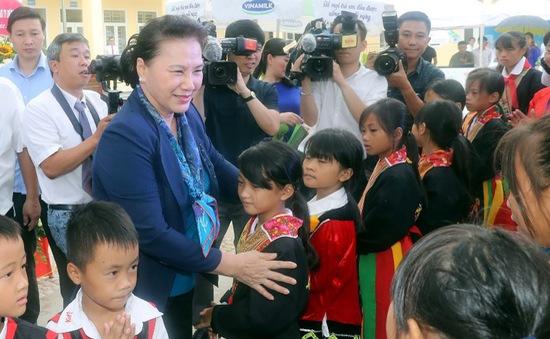 Chủ tịch Quốc hội thăm, làm việc tại tỉnh Quảng Ninh