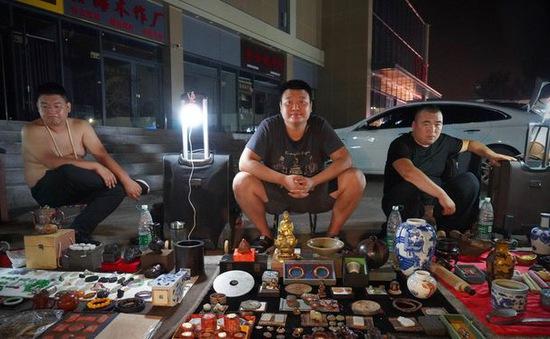 """Có gì ở """"chợ ma"""" giữa lòng Trung Quốc?"""