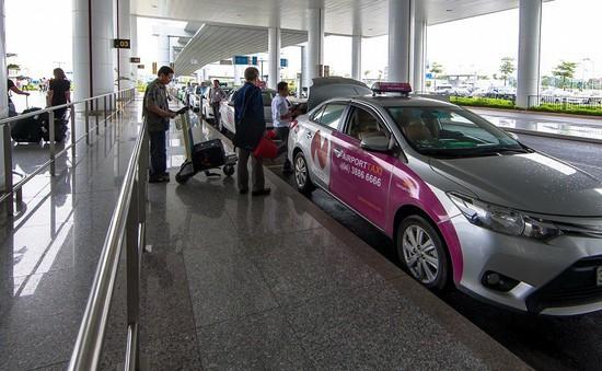 Khuyến cáo hành khách về taxi dù tại sân bay Nội Bài