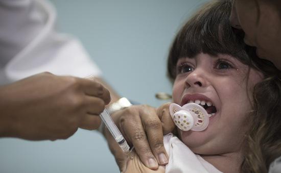 Hơn 1,4 triệu trẻ em Brazil chưa được tiêm phòng sởi
