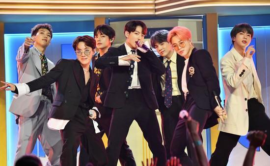 Lần đầu được đề cử VMAs, BTS ẵm ngay 2 giải thưởng