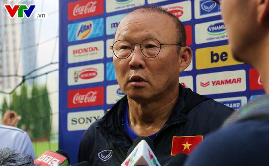 HLV Park Hang Seo ngỡ ngàng trước tin Văn Hậu sang Hà Lan, lo lắng về SEA Games 30