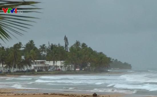 Bão Dorian mạnh lên thành siêu bão, bang Florida ban bố tình trạng khẩn cấp