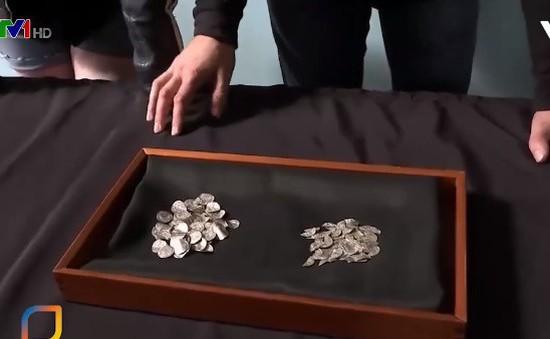 Phát hiện lượng lớn tiền xu cổ có niên đại gần 1.000 năm tại Anh