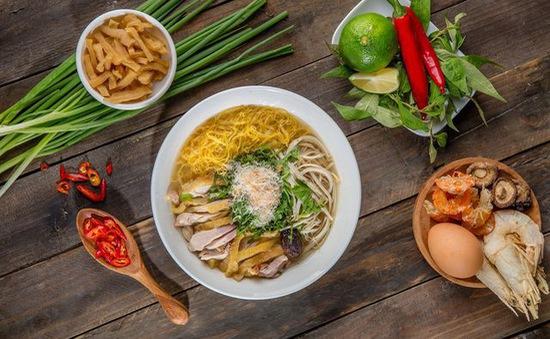 """10 món ngon khó cưỡng ở Hà Nội, đến khách Tây cũng """"mê như điếu đổ"""""""