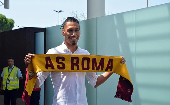 Chris Smalling đạt thỏa thuận gia nhập AS Roma