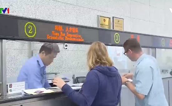 Trung Quốc nới lỏng quy định nhập cư cho người nước ngoài