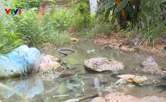 Khu giãn dân Phú Thọ 10 năm không có đường thoát nước thải