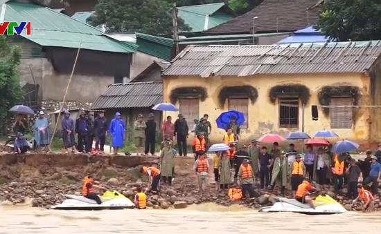 Bộ đội, Công an Thanh Hóa nỗ lực giúp dân khắc phục hậu quả mưa lũ