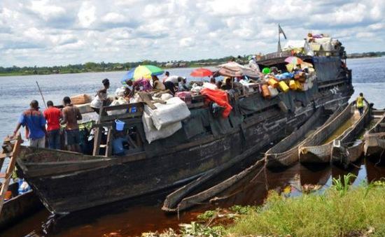 Chìm thuyền làm hơn 60 người chết và mất tích tại CHDC Congo